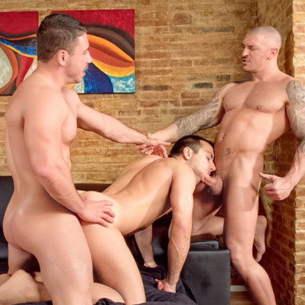 Hunks in a hot threesome