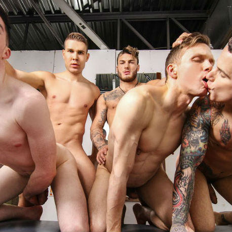 Hot 5 guy orgy